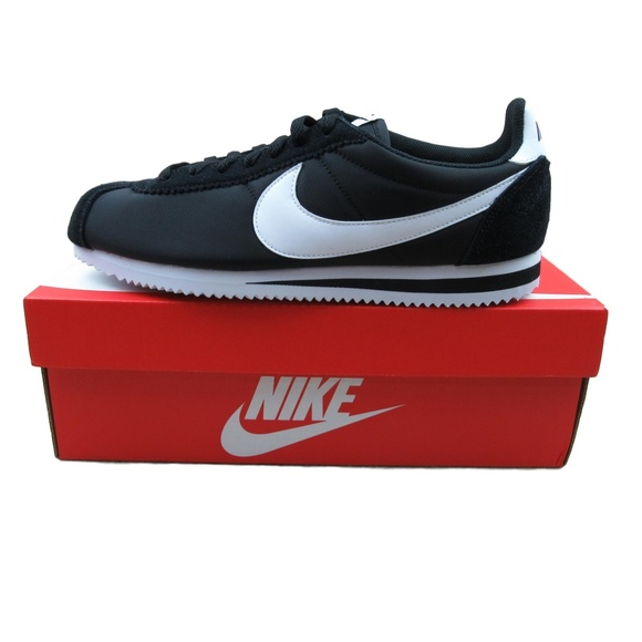 the best attitude a90ff 468e3 Nike Classic Cortez Nylon Shoes Size 10 Mens Black